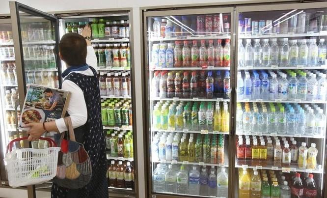 Người Nhật Bản chăm chỉ tái chế rác, nhưng nghiện dùng nylon gói hàng ảnh 2