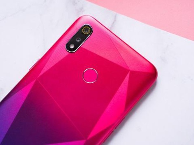 Ngắm smartphone Realme 3 phiên bản kim cương hồng vừa lên kệ ảnh 4