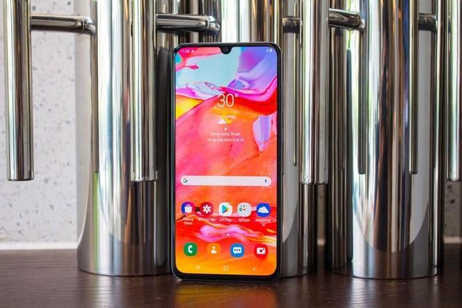 Loạt smartphone dưới 10 triệu, pin khỏe đáng chú ý ảnh 1