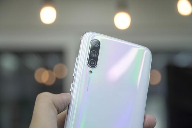 Xiaomi Mi CC9 về VN - camera selfie 32 MP, có Mimoji, giá 7 triệu đồng ảnh 6