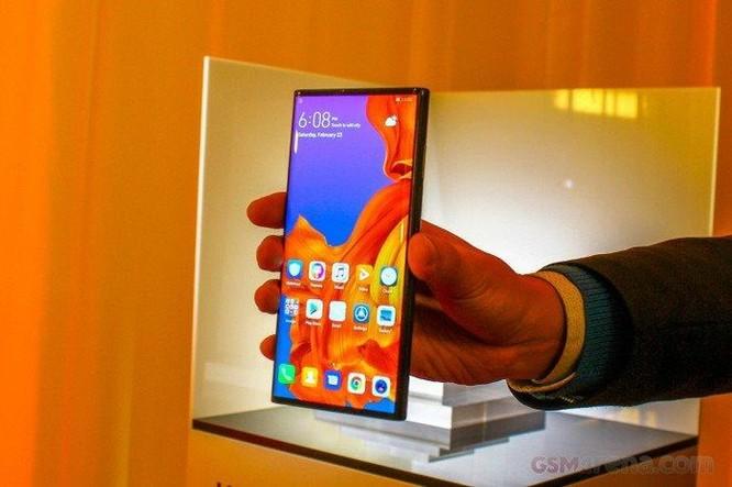 Chung số phận Galaxy Fold, Huawei Mate X chưa biết ngày lên kệ ảnh 1