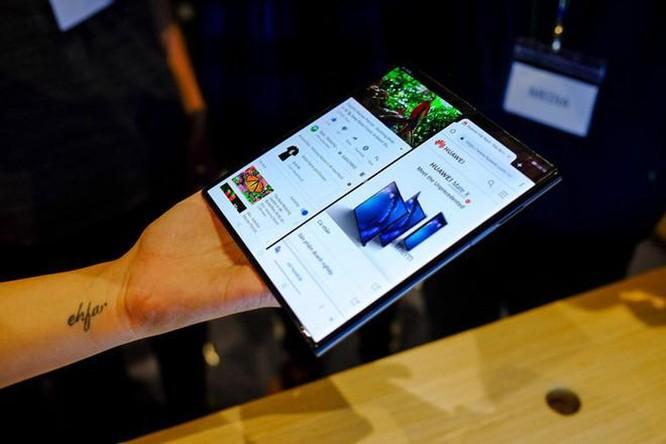 Huawei Mate X có thể không bao giờ nhìn thấy mặt trời ảnh 1