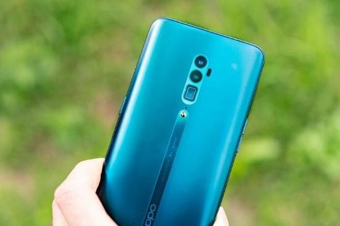 Top 5 smartphone màn hình truyền thống đáng mua nhất hiện nay ảnh 3