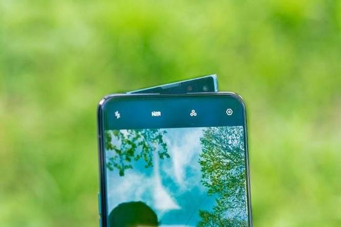Top 5 smartphone màn hình truyền thống đáng mua nhất hiện nay ảnh 4