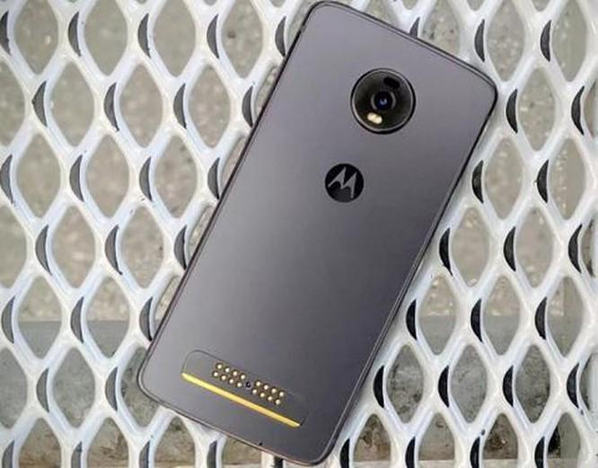 Motorola Moto Z4: Smartphone 5G rẻ nhất đáng mua? ảnh 3