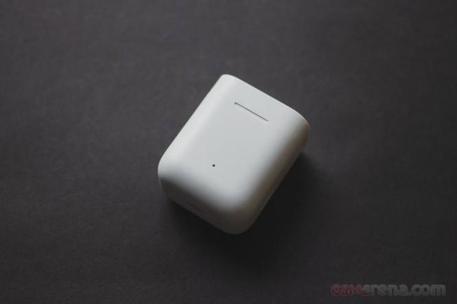 Tai nghe không dây Mi True của Xiaomi giá chỉ bằng một nửa AirPods - có đáng mua hay không? ảnh 1