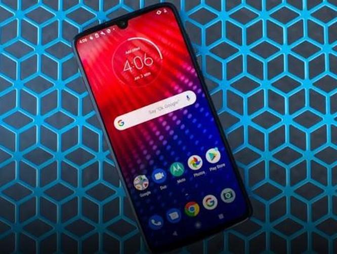 Motorola Moto Z4: Smartphone 5G rẻ nhất đáng mua? ảnh 1