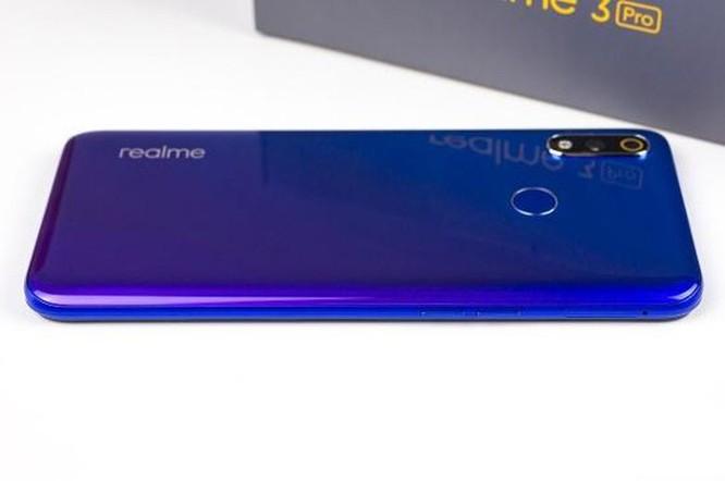 Smartphone Realme 3 Pro có đáng mua với giá 6,5 triệu đồng? ảnh 3