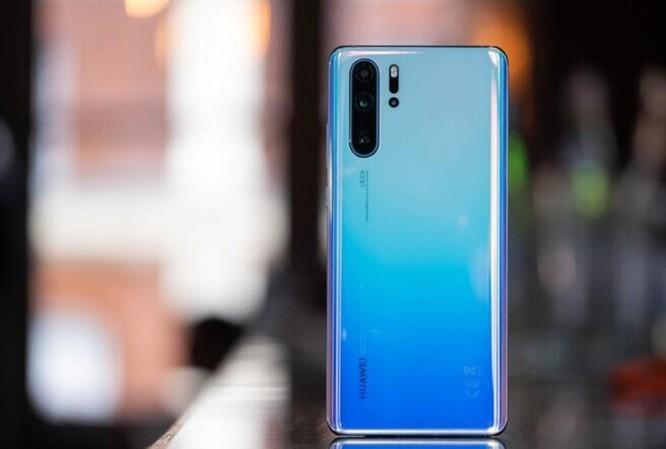 Giữa tháng 8, những smartphone này đang giảm giá tiền triệu tại VN ảnh 2