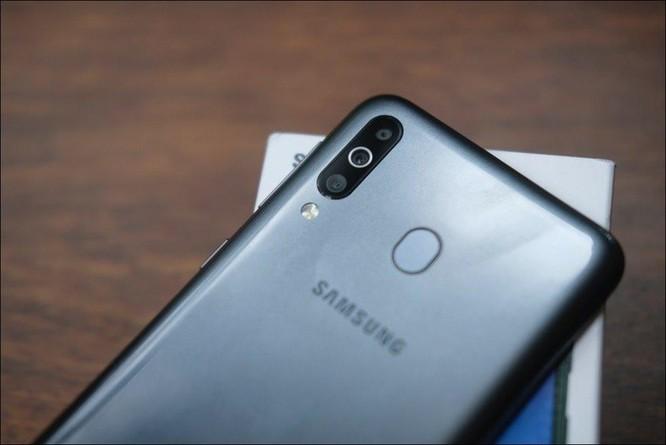 Mở hộp Samsung Galaxy M30: Nâng cấp camera và pin, giá 4,99 triệu đồng ảnh 3