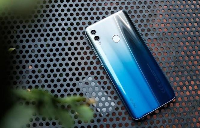 Giữa tháng 8, những smartphone này đang giảm giá tiền triệu tại VN ảnh 5