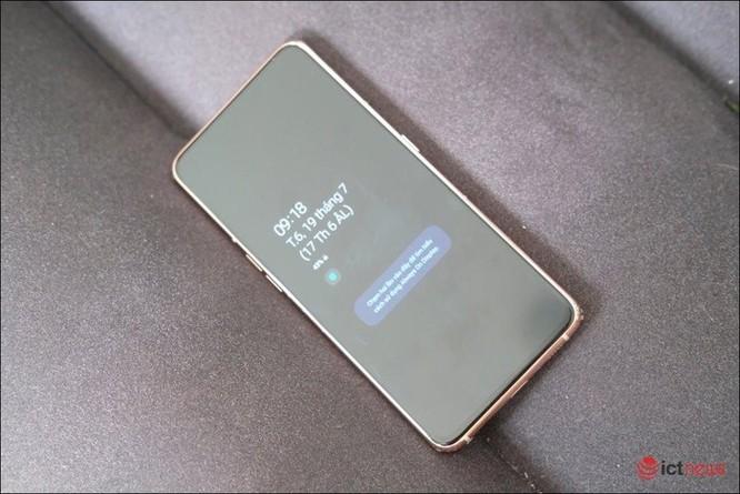 Samsung Galaxy A80: Tiên phong camera trượt xoay ảnh 2