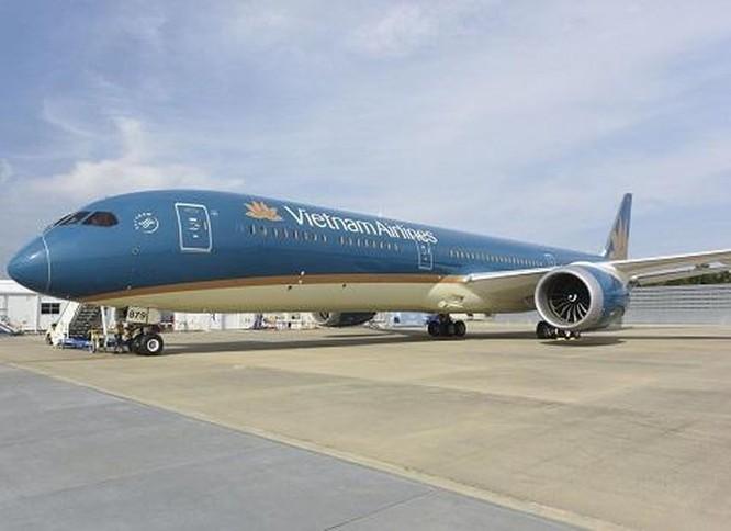 Chiếc Boeing 787-10 Dreamliner đầu tiên đã về Việt Nam ảnh 1