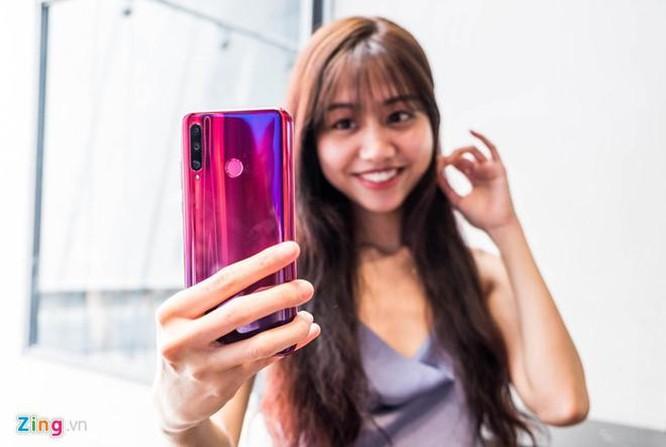 Loạt smartphone đáng chú ý giá dưới 5 triệu đồng tại VN ảnh 1