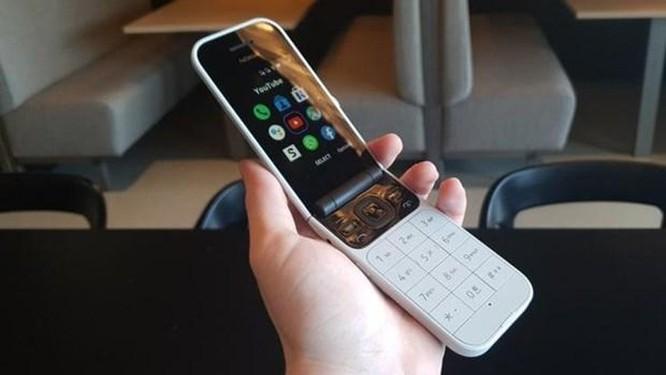 Nokia 'hồi sinh' điện thoại nắp gập với mạng 4G, có giá 100 USD ảnh 1
