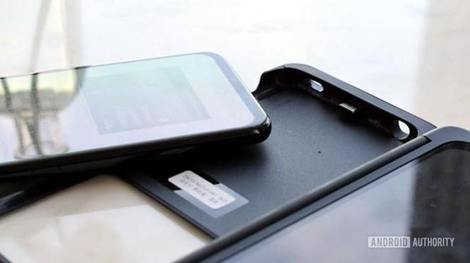 Smartphone 2 màn hình, có thể tháo rời vừa ra mắt ảnh 2