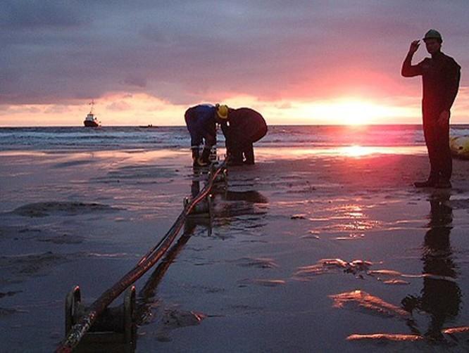 Cáp biển AAG được sửa xong sớm trước 4 ngày so với dự kiến ảnh 1