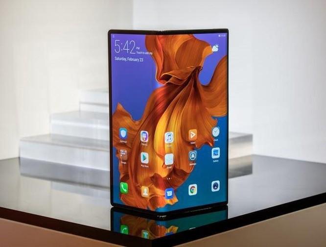Đối thủ lớn nhất của Samsung Galaxy Fold trong năm nay đang 'rục rịch' lên kệ ảnh 1