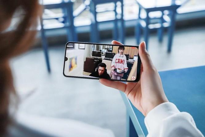 Galaxy A50s sạc nhanh 10 phút có 10 giờ nghe nhạc, camera 48 MP ảnh 4