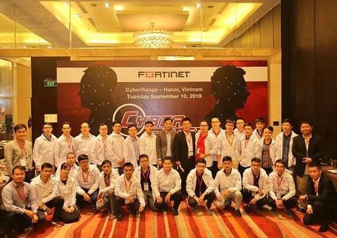 Ba doanh nghiệp viễn thông Việt dẫn đầu cuộc thi bảo mật Cyber Range ảnh 1