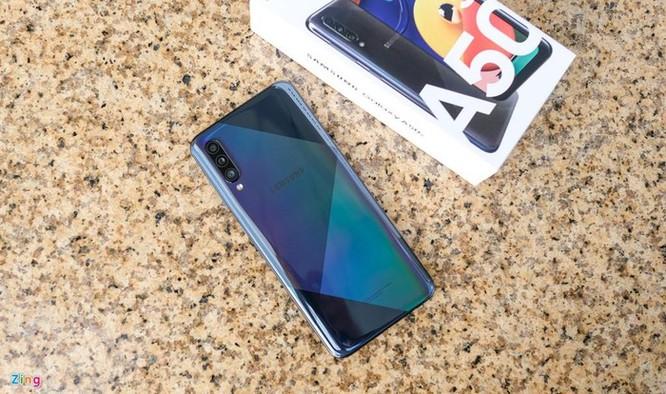 Galaxy A50s - màn lớn, camera 48 MP, mặt lưng lạ, giá 7,8 triệu ảnh 1