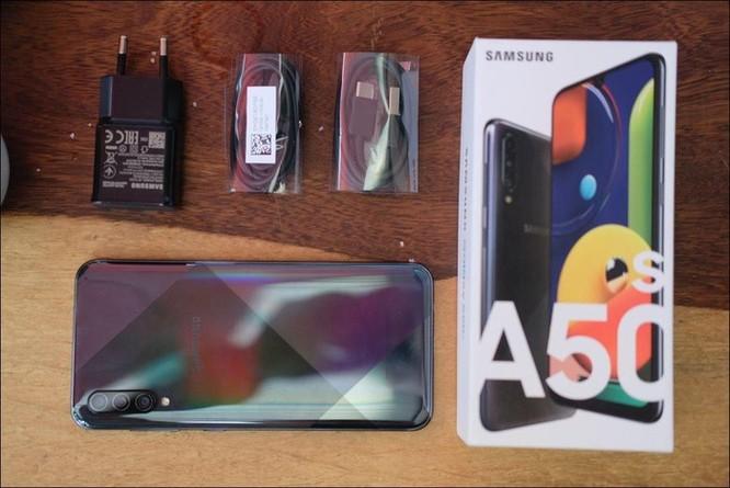 Mở hộp Samsung A50s: Nâng cấp về camera và nhiều màu sắc hơn so với A50 ảnh 2