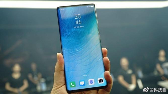 Vivo ra mắt smartphone 5G với 'màn hình thác nước' đầu tiên ảnh 1