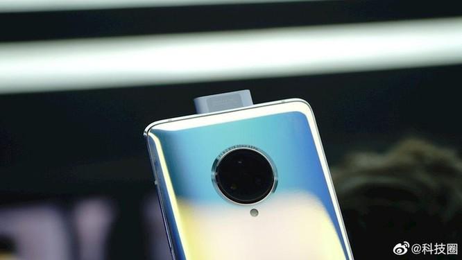 Vivo ra mắt smartphone 5G với 'màn hình thác nước' đầu tiên ảnh 4