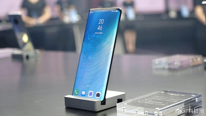 Vivo ra mắt smartphone 5G với 'màn hình thác nước' đầu tiên ảnh 2
