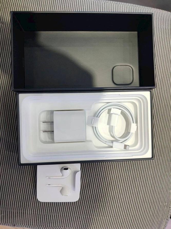 iPhone11 Pro Max bất ngờ xuất hiện tại Việt Nam ảnh 4