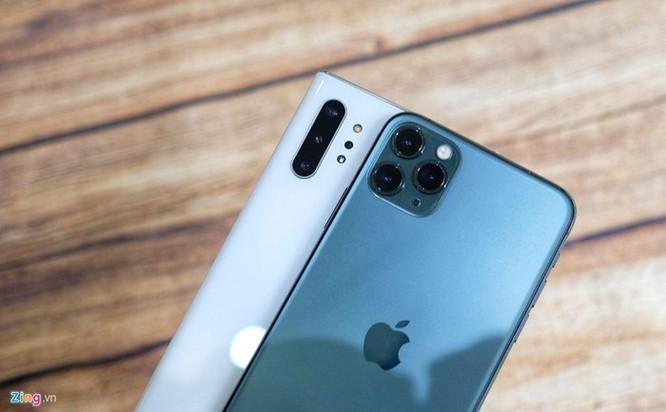 iPhone 11 Pro Max đọ dáng với Galaxy Note10+ ảnh 3