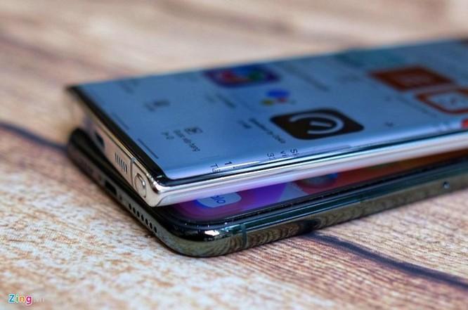 iPhone 11 Pro Max đọ dáng với Galaxy Note10+ ảnh 8