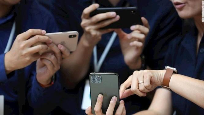 iPhone 11 bán chạy dù bị chê 'tơi bời' ảnh 1