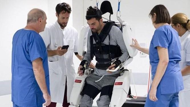 Thành tựu khoa học đột phá đem lại hy vọng cho bệnh nhân bại liệt ảnh 1