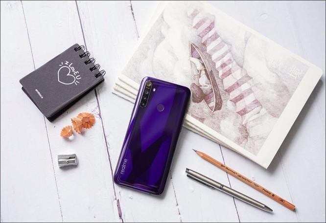 Realme giới thiệu bộ đôi smartphone Realme 5, cụm 4 camera, giá từ 3,99 triệu đồng ảnh 4