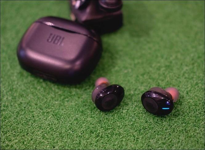 JBL ra mắt tai nghe không dây Tune 120TWS, giá 2,39 triệu đồng ảnh 1