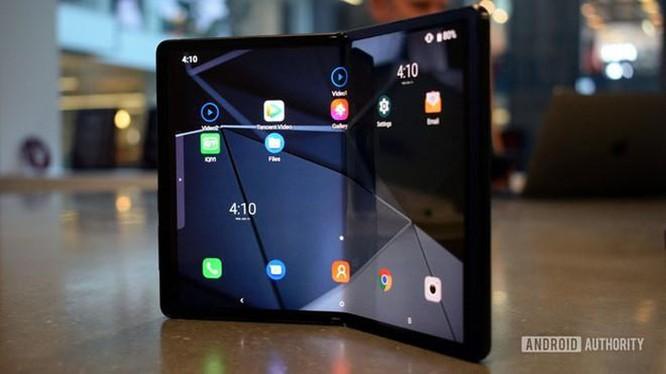 Đối thủ giá rẻ của Galaxy Fold ra mắt đầu năm 2020 ảnh 1
