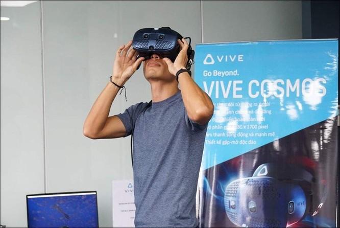HTC giới thiệu kính thực tế ảo Vive Cosmos tại Việt Nam ảnh 1