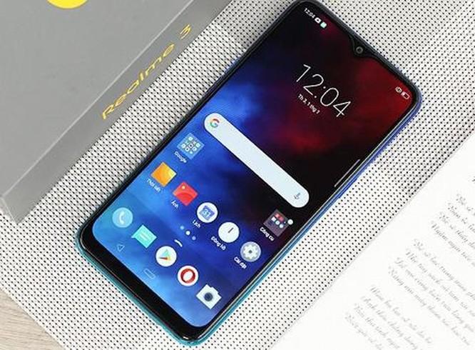Top 5 smartphone giá bình dân đang hút người dùng ảnh 5