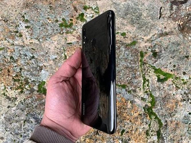 Top 5 smartphone giá bình dân đang hút người dùng ảnh 3