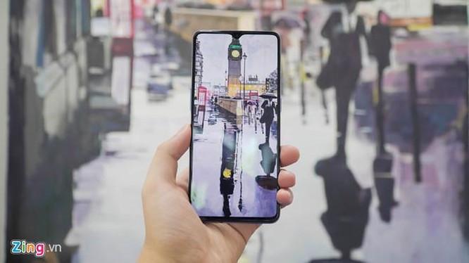 Đối thủ iPhone 11 về Việt Nam, giá 11,5 triệu đồng ảnh 2