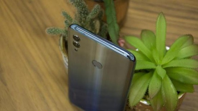 Galaxy A20 có đáng chọn hơn Honor 10 Lite? ảnh 10