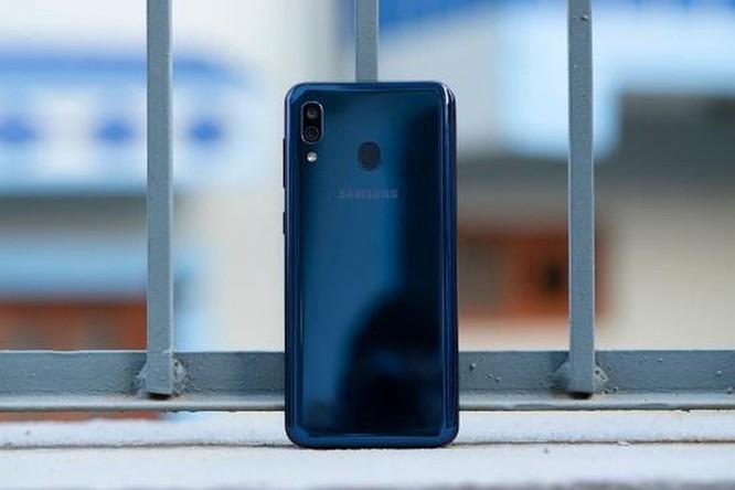 Galaxy A20 có đáng chọn hơn Honor 10 Lite? ảnh 21