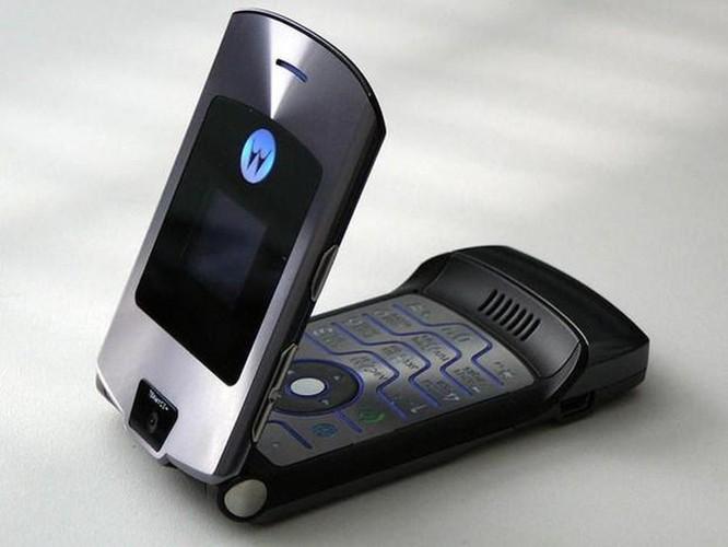 Hãng Motorola sắp hồi sinh 'tượng đài' điện thoại nắp gập Razr? ảnh 1