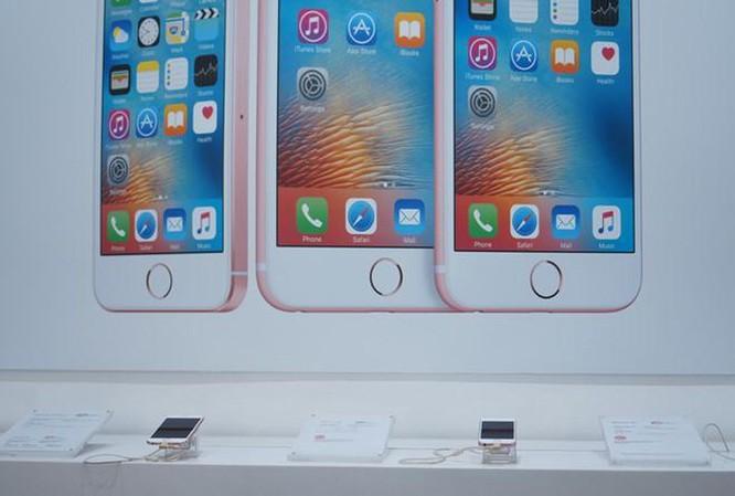 Mua iPhone xách tay tại Việt Nam chưa bao giờ rủi ro đến vậy ảnh 1