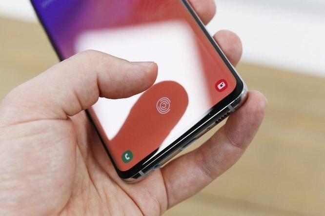 Samsung vá lỗi vân tay nguy hiểm trên Galaxy S10 và Note 10 ảnh 1
