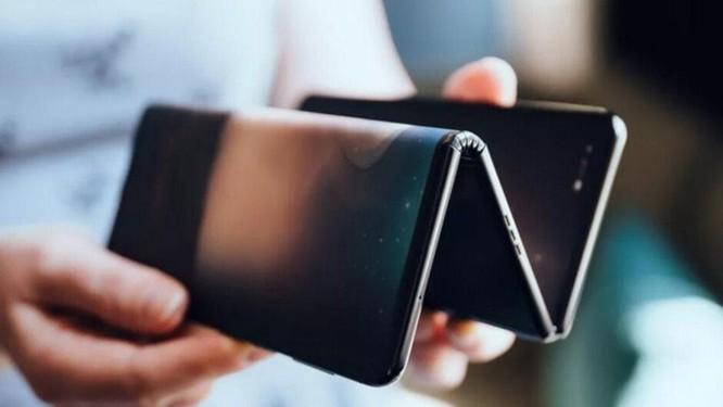 TCL giới thiệu smartphone màn hình gập 3 độc đáo ảnh 1