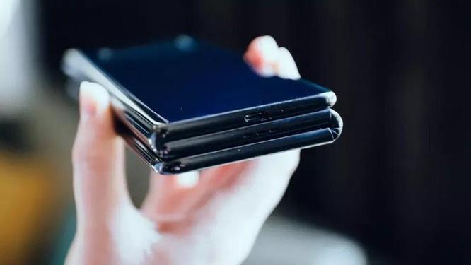 TCL giới thiệu smartphone màn hình gập 3 độc đáo ảnh 3