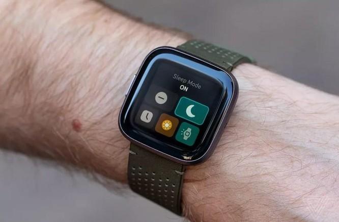 Bỏ 2,1 tỷ USD, Google muốn làm chiếc đồng hồ tốt như Apple ảnh 1