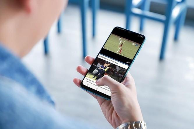 Galaxy A50s sạc 10 phút để nhắn tin, xem bóng đá suốt 3 giờ ảnh 1